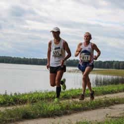 42. jooks ümber Ülemiste järve - Agu Lehemaa (417), Raivo Pärnpuu (635)