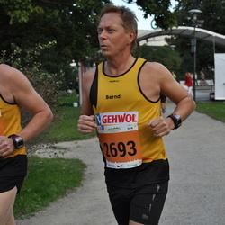 SEB Tallinna Maraton - Bernd Vieker (2693), Kerli Matvere (4878)
