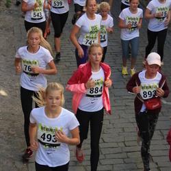 Nike noortejooks - Kerli Kuusik (493), Caroly Suits (884)