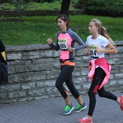 Nike noortejooks - Triin Võrno (486), Caroly Suits (884)