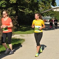SEB Tallinna Maraton - Kati Tuokkola (1030), Anni Kivimägi (2321)