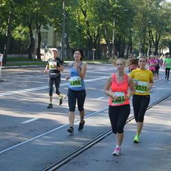 SEB Tallinna Maraton - Elena Plotnikova (1996), Anni Kivimägi (2321)