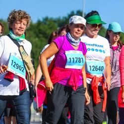 SEB Tallinna Maraton - Imbi Tito (11781), Anneli Rihvk-Hiie (12640), Silva Torm (12902)