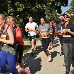 SEB Tallinna Maraton - Annely Lodi (4489), Angelina Lavrova (5661)