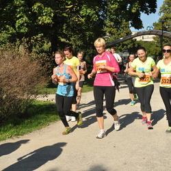 SEB Tallinna Maraton - Maiken Hiire (5326), Anna Mailanchi (5327)