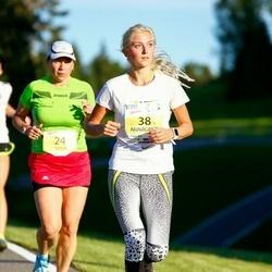 Otepää Jooksutuur - Maia Boltovsky (24), Annagrete Rebane (38)