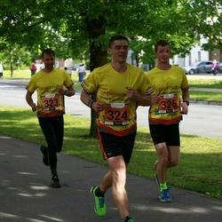 Pärnumaa Võidupüha maraton - Martin Pütsep (322), Madis Kuuskmann (323), Krister Tamm (324), Andres Lilleste (326)