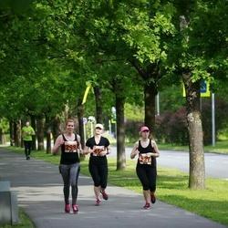 Pärnumaa Võidupüha maraton - Helen Elbing (237), Nele Sumberg (298)