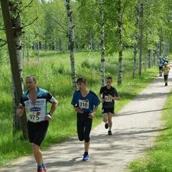 Elva tänavajooks - Hans Leonhard Kõrgesaar (710), Risto Valdner (877), Renee Praks (975)
