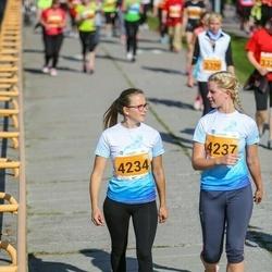 SEB Tallinna Maraton - Anna Peterson (4234), Liisi Suurkivi (4237)