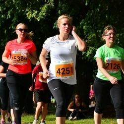 SEB Tallinna Maraton - Annika Rull (2126), Riina Aitai (4251), Salla Kälkäinen (5384)