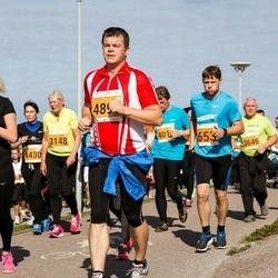 SEB Tallinna Maraton - Sven Lehtmets (653), Armi Yli-Karro (3148), Eevo Meier (3646), Nadežda Ivanova (4430)