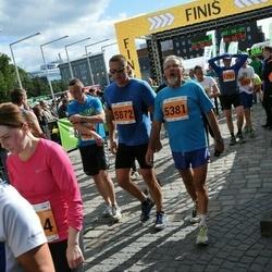 SEB Tallinna Maraton - August Retsä (5381), Armine Pogosjan (5872)