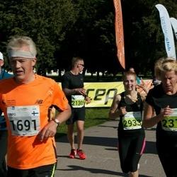 SEB Tallinna Maraton - Urpo Väänänen (1691), Outi Kreivi-Väänänen (2311), Birgit Paltsmar (2933)
