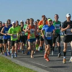SEB Tallinna Maraton - Alexander Roeder (38), Gunnar Kingo (56), Meelis Koskaru (310), Henn Zvorovski (356), Mikhail Zhitenev (2128)