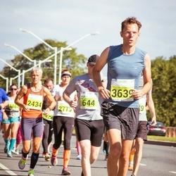 SEB Tallinna Maraton - Klenis Tamsalu (644), Tiina Mattiisen (2434), Annika Remmer (2775), Peter Descwamts (3639)