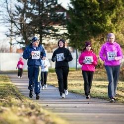 Tartu Novembrijooks - Kaie Kivila (224), Kadi Kruuse (374), Pille-Riin Rebane (375), Annely Ojastu (410)
