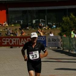 Hiiumaa VI jooksumaraton - Anelle Jakobson (23), Jaan Harak (23), Aav Vaige (23)