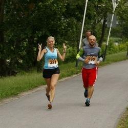 Pärnumaa Võidupüha maraton - Anre Kuldja (290), Karina Loi (321)