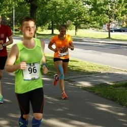 Pärnumaa Võidupüha maraton - Rauno Merila (96), Mailiis Ollino (356)