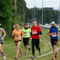 Pärnumaa Võidupüha maraton - Valter Kaleta (254), Kristjan Niiberg (351), Mailiis Ollino (356), Hannes Roosaar (467)