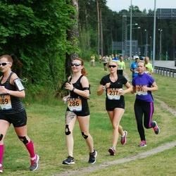 Pärnumaa Võidupüha maraton - Riina Intsar (237), Eva Kram (286)