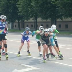 Pärnu Rulluisumaraton - Diana Kaareste (403), Laima Kaufina (436)