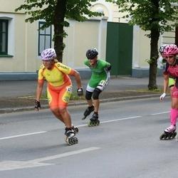 Pärnu Rulluisumaraton - Kersti Toots (412), Ljudmilla Mastovits (419)