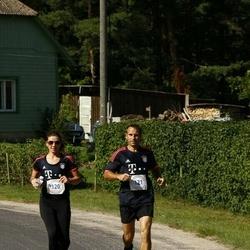 Kihnu Männäkäbä maraton - Anu Puht (120), Kaido Kahar (121)
