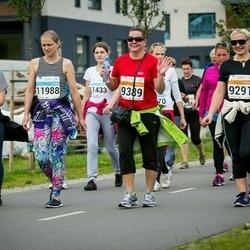 SEB Tallinna Maratoni Sügisjooks (10 km) - Arika Kajandi (9291), Marve Lullu (9389), Angela Vedler (11988), Jennifer Rammul (11990)