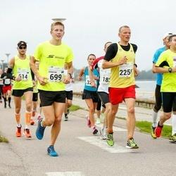 SEB Tallinna Maraton - Joonatan Kama (699), Arles Taal (831), Kaupo Tiislär (2259)