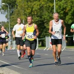SEB Tallinna Maraton - Arnold Laasu (420), Jüri Leesmäe (439)