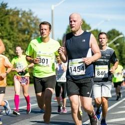 SEB Tallinna Maraton - Ago Saluveer (801), Uku Skiller (1454)