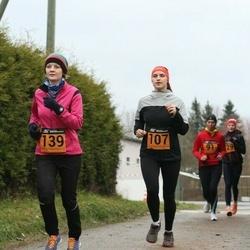 Tartu Novembrijooks - Monika Teder (107), Riin Kruusimägi (139)