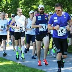 36. jooks ümber Pühajärve - Urmo Karu (133), Atem Ktyntsilov (760)