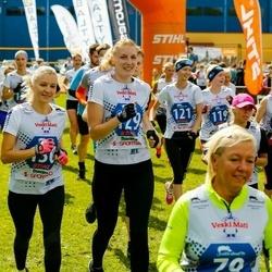 Vägilase jooks Lähte - Angelika Aruots (119), Merilin Aruots (120), Jaanika Aruots (121), Virge Haidla (129), Monika Kubpart (130)