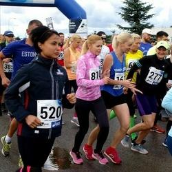 45. jooks ümber Ülemiste järve - Anna Bulgarina (520), Karin Tamm (810)