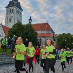 Nike Noortejooks/ We Run Tallinn - Miriam Mähbüzä Mõttus (1230), Anna Laura Männiste (2079), Helina Madar (3003)