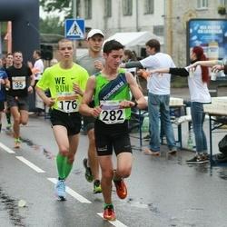 SEB Tallinna Maratoni Sügisjooks 10 km - Karol Hanga (176), Rainer Kravets (282)