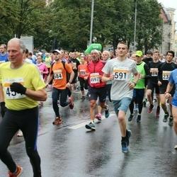 SEB Tallinna Maratoni Sügisjooks 10 km - Tarvo Vaarmets (356), Aare Selge (454), Sken Selge (591), Pietro Del Žoppo (4597)