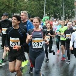 SEB Tallinna Maratoni Sügisjooks 10 km - Luis Pablo Prieto Santos (231), María Jesús Rodríguez Triana (232), Annely Kaur (477)