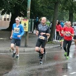 SEB Tallinna Maratoni Sügisjooks 10 km - Kalle Tammemäe (384), Tarmo Nugis (762)