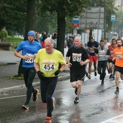 SEB Tallinna Maratoni Sügisjooks 10 km - Aare Selge (454), Valdo Kütt (587)