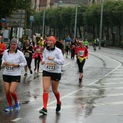 SEB Tallinna Maratoni Sügisjooks 10 km - Anna Terpitskaja (4233), Eva Rauert (4234)