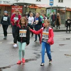 SEB Tallinna Maratoni Sügisjooks 10 km - Astrika Maisto (4310), Annika Sims (4325)
