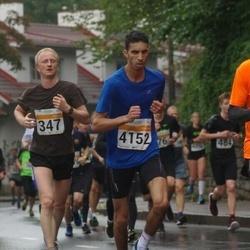 SEB Tallinna Maratoni Sügisjooks 10 km - Jaak Samarüütel (347), Mohamed Idhmed (4152)