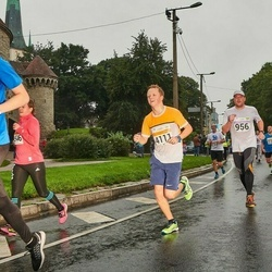 SEB Tallinna Maratoni Sügisjooks 10 km - Aadu Polli (956), Danver Hans Värv (4111)