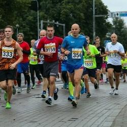 SEB Tallinna Maratoni Sügisjooks 10 km - Christofer Saveljev (333), Tarvo Vaarmets (356), Armand Pihlak (3159)
