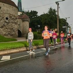 SEB Tallinna Maratoni Sügisjooks 10 km - Kadi Rohelpuu (2251), Anastasia Gorsenina (5088)
