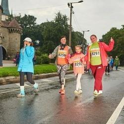 SEB Tallinna Maratoni Sügisjooks 10 km - Marika Käärid (8256), Anzela Pihlakas (8291), Brigitta Pihlakas (8292)
